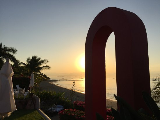 Villa Amor del Mar : Sunrise - while sitting on the deck chairs - spectacular.