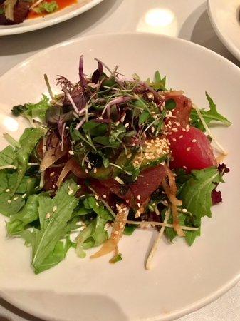 Sansei Seafood Restaurant & Sushi Bar: Sashimi salad