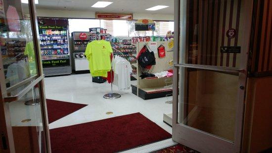 Amargosa Valley, NV: Convenience store