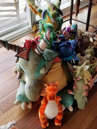 Hale Ho'o Maha Bed & Breakfast: a collection of stuffed dragons in the great room