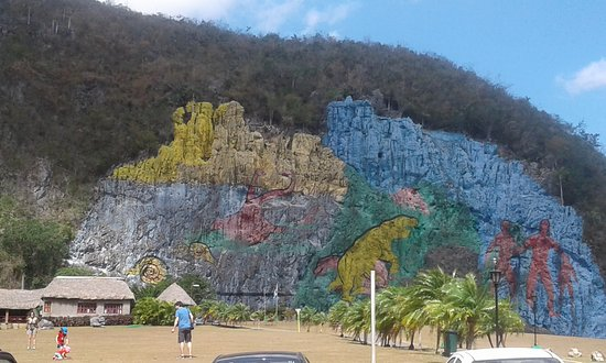 Mural de la prehistoria vinales cuba updated 2018 all for Mural de la prehistoria cuba