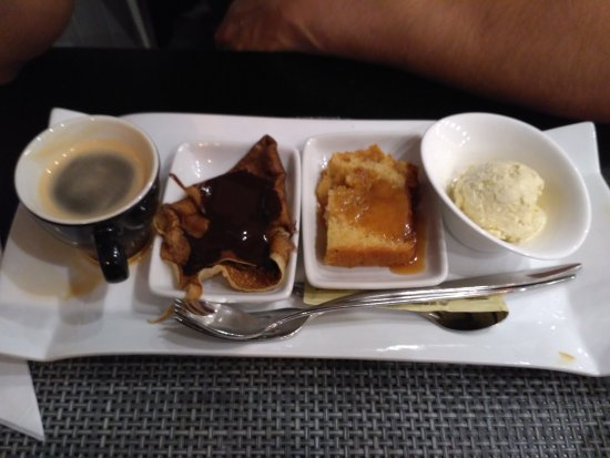 Yerres, France: Café gourmand