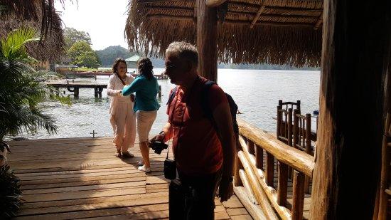 Rio Dulce, Gwatemala: la terrasse de l embarcadère