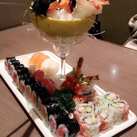 Makimono: Sushi boat