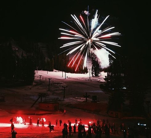 Bear Valley, CA: MLK Weekend 2018 Torch Light Parade & Fireworks
