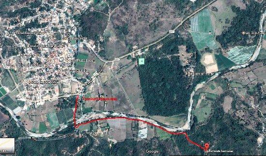Hacienda San Lucas: Locatiroad.on 1.5 Km from main
