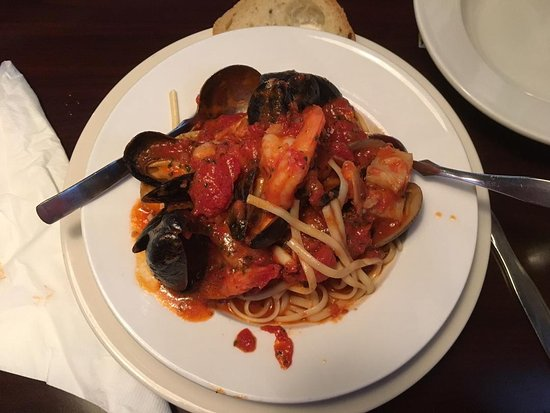 Ντέρμπι, Βερμόντ: Fruti de Mer with Linguine - more than enough seafood