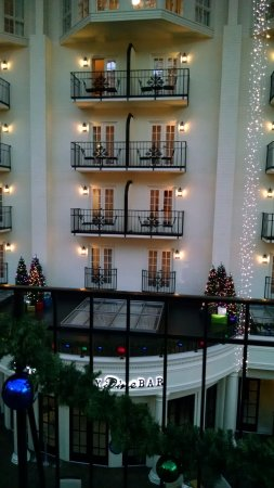 Gaylord Opryland Resort & Convention Center: Looking from the courtyard to the rooms