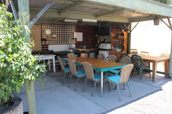 Dunolly, Australien: OUTSIDE CAMP KITCHEN