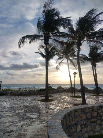 Grand Park Royal Cancun Caribe: 20180118_080250_large.jpg