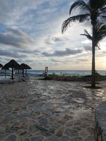 Grand Park Royal Cancun Caribe: 20180118_080247_large.jpg