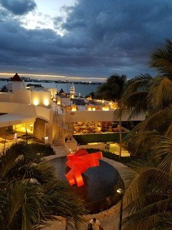 Grand Park Royal Cancun Caribe: 20180115_184355_large.jpg
