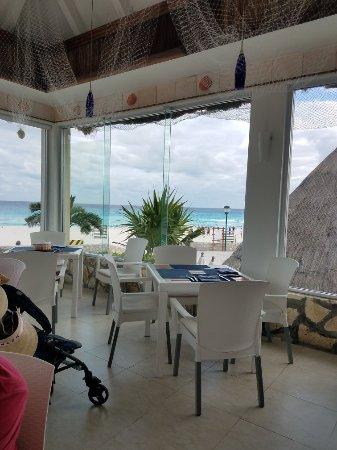 Grand Park Royal Cancun Caribe: 20180115_162702_large.jpg