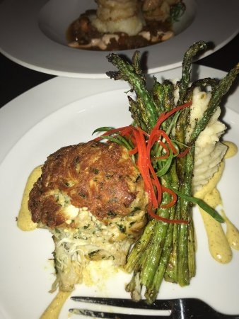 Chesapeake City, MD: Have tasted the crab cake before photo. Mashed potatoes are tasty asparagus with some unknown se