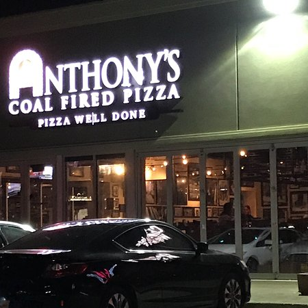 Commack, NY: Anthony's Coal Fired Pizza