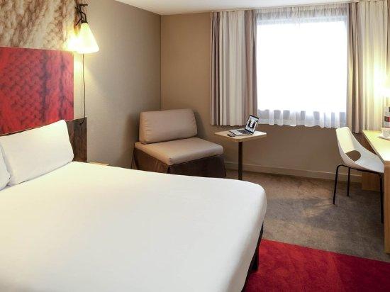 La Courneuve, Francja: Guest room