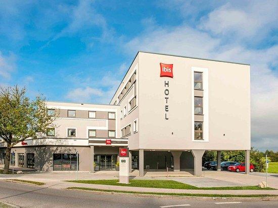 Ibis Muenchen Airport Sued: Exterior