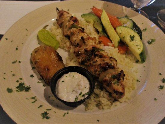 La Casa Ouzeria Restaurant: Chicken Souvlaki