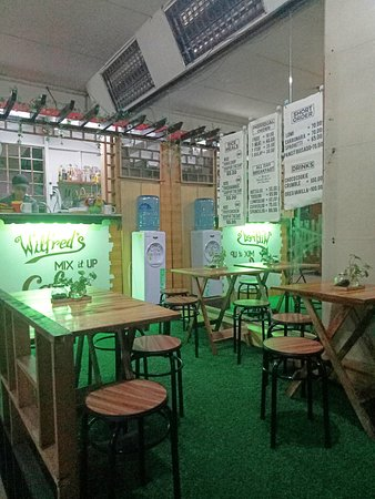 Metro Manila, Philippines: You must drop by at wilfred's mix it up cafe and try their Grilled porkchops and Lechon kawali..