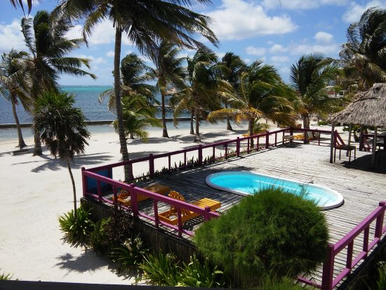 Exotic Caye Beach Resort: Beautiful Ocean Front Suites!