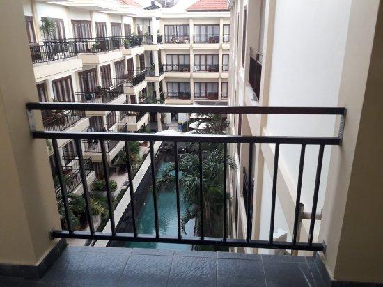 Kuta Townhouse Apartments: 20180118_182448_large.jpg