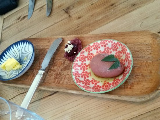 The Zin House: Beetroot and sago crisp with duck liver pate