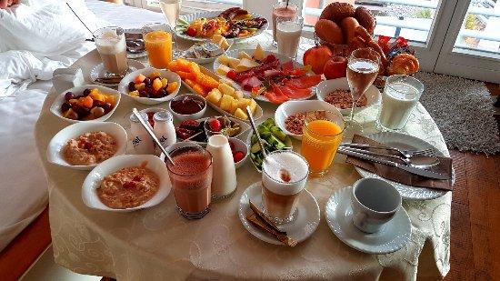 Hotel Helvetia : Gigantisches Room Frühstück