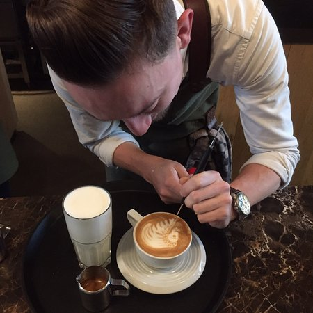 DENF Coffee: Latte artist Ardy in action!