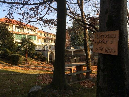 Armeno, Italien: Il parco in autunno