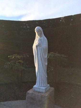 Armeno, Italien: Statua della Madonna
