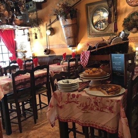 Le brasero martigues 25 cours du 4 septembre for Restaurant le miroir martigues
