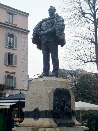 Monumento a Giuseppe Dezza