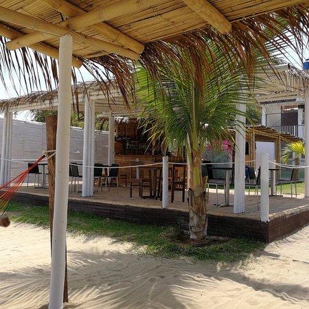 Zorritos, Peru: Costa nueva reabrió sus puertas para que disfruten de su gastronomía ,instalaciones frente al ma