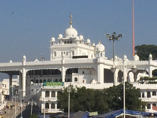Anandpur Sahib, Индия: So Graceful.