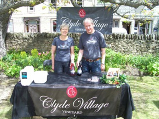 Clyde Village Vineyard: Chris and John