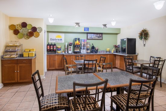 Abbeville, LA: Breakfast area