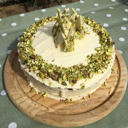 Craster, UK: White Chocolate and Pistachio cake