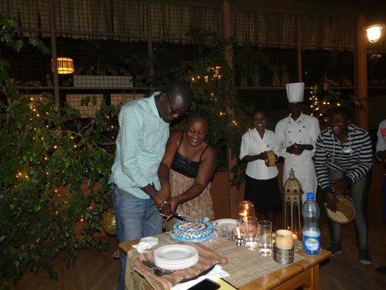 Meru National Park, Kenia: Cutting cake