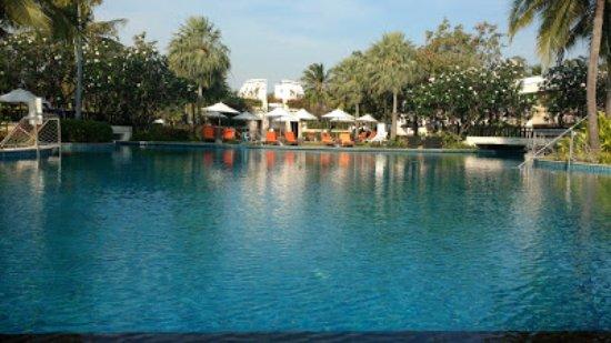 Sheraton Hua Hin Resort & Spa: Lovely pool