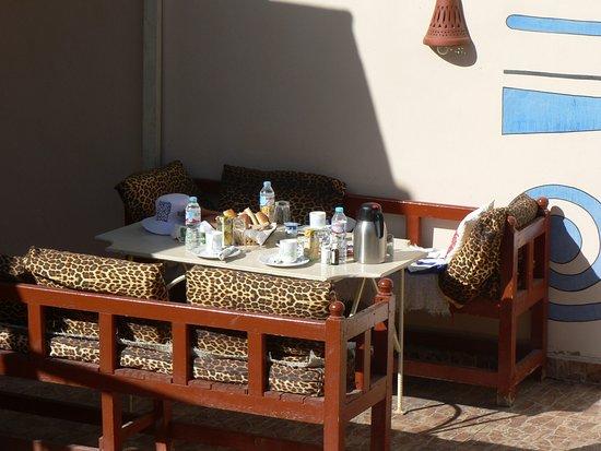 Desert Paradise Lodge: First breakfast in 2018