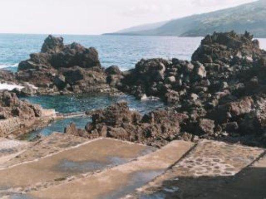 São Roque do Pico, Portugal: piscinas naturais próximas