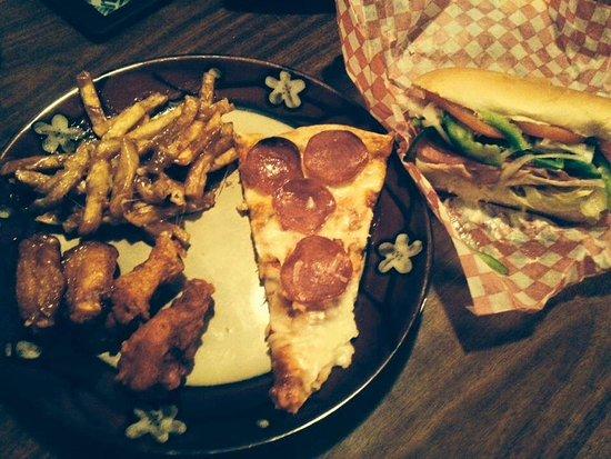 Whitney, Канада: Dinner is served