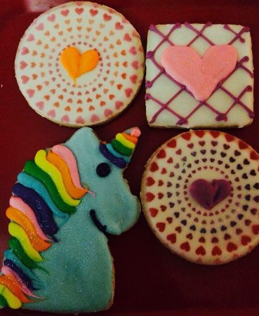 Cinotti's Bakery : Birthday cookies for my daughter's lunch