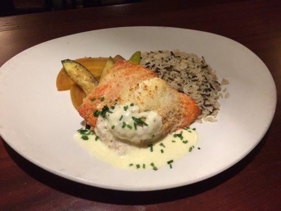 Boathouse Restaurants: Wild Salmon stuffed with Crab