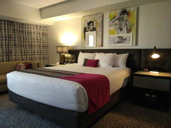 Planet Hollywood Casino: hotel