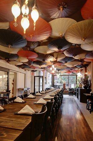 restaurant thailande montr al plateau mont royal le. Black Bedroom Furniture Sets. Home Design Ideas