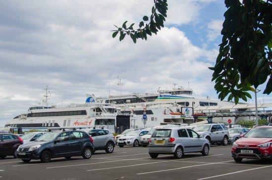 Aremiti Ferry : Puerto de Papeete