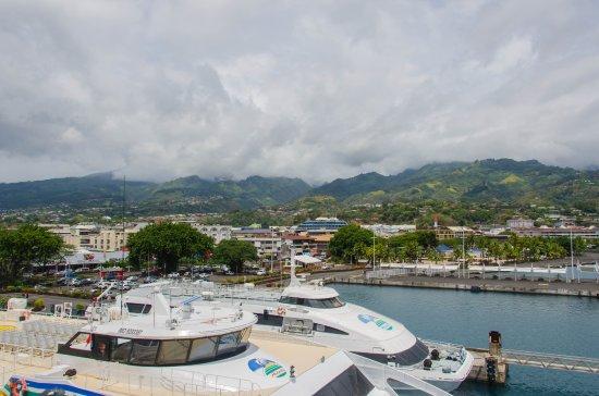 Aremiti Ferry : Ferrys en Papeete.