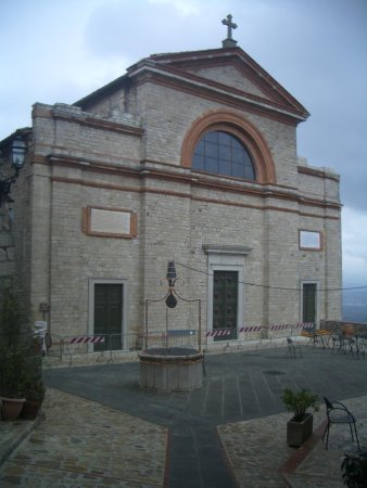 Monte Castello di Vibio, Italia: chiesa dei S Filippo e Giacomo