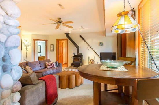 Sechelt, Canada: Luxury Suite Lounge